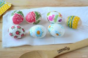 Пасхальные яйца с цветами - фото шаг 3
