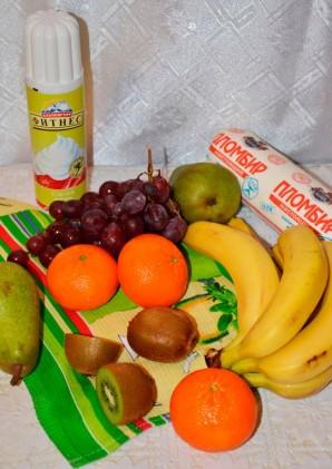 Десерт со взбитыми сливками и фруктами - фото шаг 1