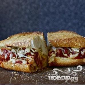 Сэндвичи с фрикадельками, сыром и луком - фото шаг 6