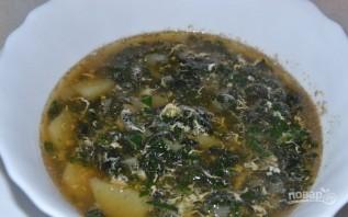 Крапивный суп с яйцом - фото шаг 5