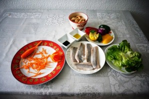 Овощной салат с филе сельди - фото шаг 1