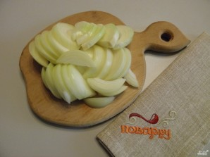 Картошка с курицей в духовке под соусом - фото шаг 3