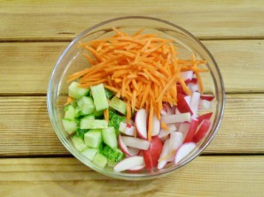 Салат из зелени и овощей - фото шаг 6