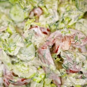 Салат из огурцов и помидоров - фото шаг 9