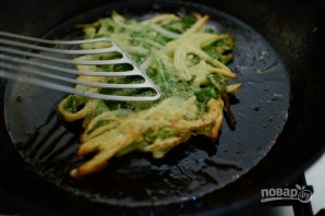Оладьи с картофелем и шпинатом - фото шаг 6