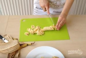 Шоколадно-банановый рулет - фото шаг 7