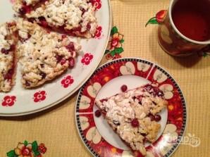 Тертый пирог с клюквой - фото шаг 9