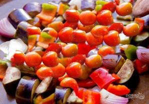 Салат из запеченных овощей с молодым картофелем - фото шаг 4