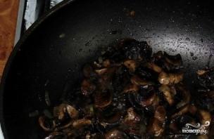Гречка с грибами и сметаной - фото шаг 3