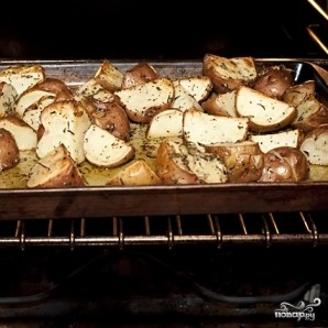 Картофель с розмарином - фото шаг 5
