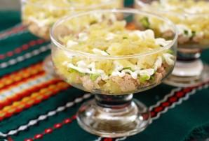 Салат из печени трески слоеный - фото шаг 6