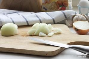 Печеночные оладьи с чесноком - фото шаг 2