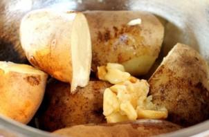 Картофельное пюре с чесноком и сыром - фото шаг 4