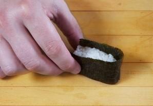 Суши с икрой - фото шаг 4