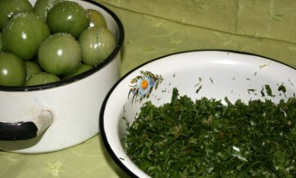 Засолка зеленых помидоров - фото шаг 3