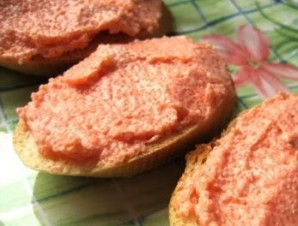 Бутерброды с икрой мойвы - фото шаг 5