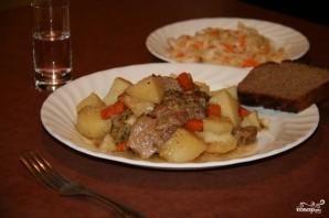 Картошка с мясом в чугунке в духовке - фото шаг 10