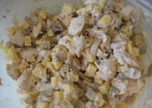 Салат с вареной куриной грудкой - фото шаг 10