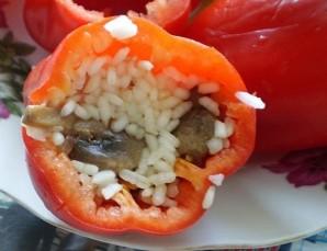 Перец, фаршированный грибами и рисом - фото шаг 7