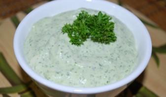 Чесночный соус с зеленью - фото шаг 2
