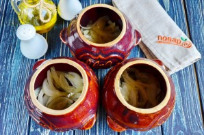 Горшочки с рыбой и солеными огурцами - фото шаг 6