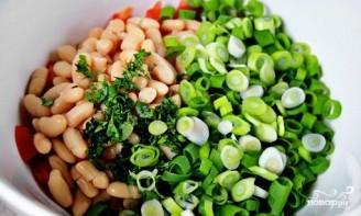 Салат из белой консервированной фасоли - фото шаг 3