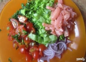 Салат из соленой семги - фото шаг 1