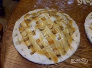 Яблочный пирог в карамельном соусе - фото шаг 6