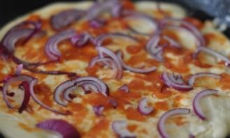 """Пицца """"Минутка"""" на сковороде - фото шаг 5"""