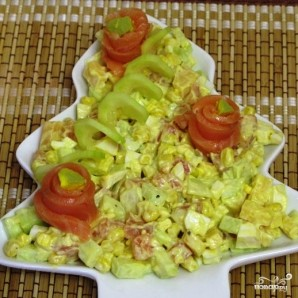 Салат с семгой соленой - фото шаг 8