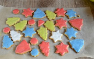 Новогоднее печенье с глазурью - фото шаг 8