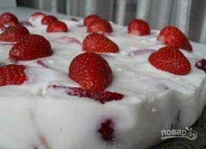 Клубнично-йогуртовый торт - фото шаг 7