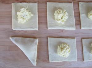 Cлоеные пирожки с творогом - фото шаг 4