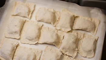Пирожки с ветчиной - фото шаг 7