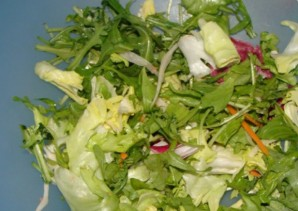 Простой салат с каперсами - фото шаг 2