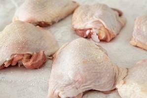 Куриное мясо, запеченное с травами и картофелем - фото шаг 1