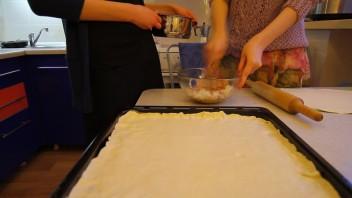 Рыбный пирог на скорую руку - фото шаг 1