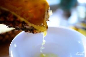 Ананасовые лодочки с фруктами - фото шаг 4