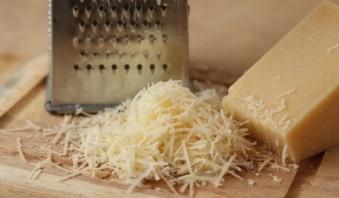Жареные грибы с сыром - фото шаг 4