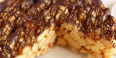 Торт за 15 минут из кукурузных палочек - фото шаг 3