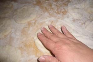 Тесто на ряженке для пирожков  - фото шаг 2