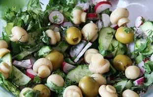 Салат с грибами шампиньонами консервированными - фото шаг 2