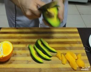 Салат с авокадо и апельсинами - фото шаг 5