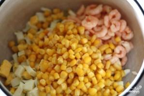 Салат с рисом и кукурузой - фото шаг 3