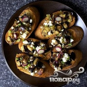 Тосты с салатом из баклажанов - фото шаг 5