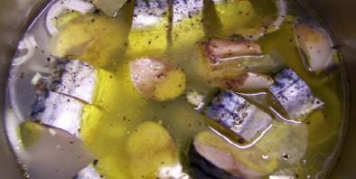 Рыбные консервы в скороварке - фото шаг 2