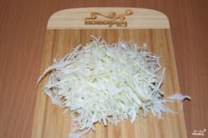Салат с салями и сухариками - фото шаг 1