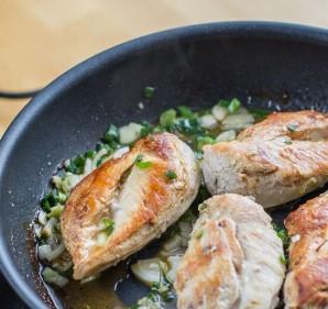 Курица в луковом соусе - фото шаг 7