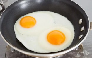 Глазунья к завтраку - фото шаг 3