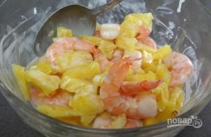 Салат из креветок и ананаса - фото шаг 4